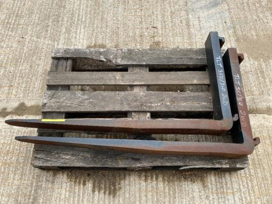 Pair of Class 3A Forks (Unused)