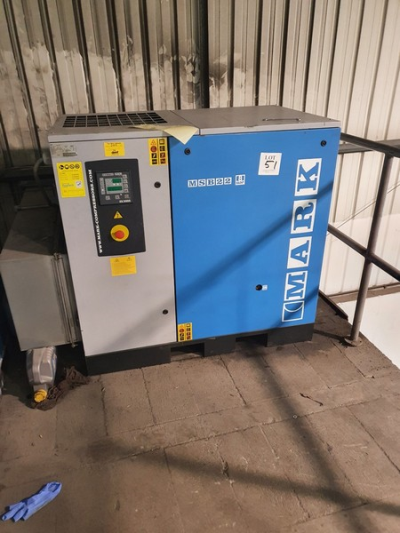 Mark MSB22 8 bar package air compressor 2012 (This compressor is at an elevated height. There is no forklift on site. A …
