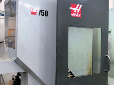 HAAS UMC-750 5 Axis Machining Centre (2015) Traverses XYZ: 762 x 508 x 508mm, Min, Max Spindle Nose to Table 102 - 610mm…
