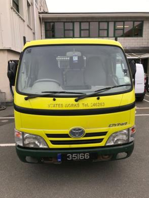 A Toyota Dyna 350 MWB 3 Way alloy body tipper Reg 35166; 48,285 Rec miles