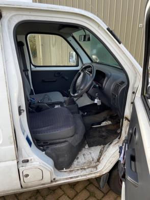 A Suzuki Carry Petrol Panel Van Reg 10443; 73,811 Rec miles; water leak & overheating