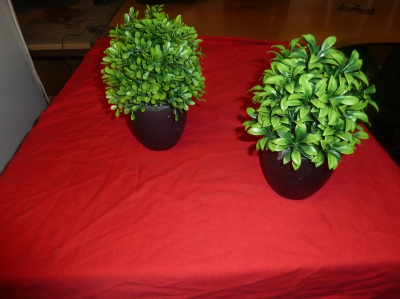 *artificial table top plants in pots x approx. 23