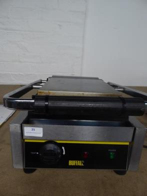 *Buffalo contact grill - in good condition - cooking area 220w x 250d