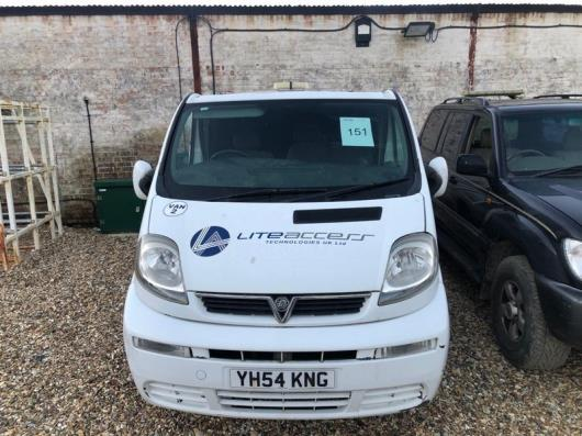 Vauxhall Vivaro 1.9 CDTI 2700 DI SWB van with side windows, registration no. YH54 KNG, date of first registration. 28/09/2004, 132,807 miles, MOT Expired 05/12/2020