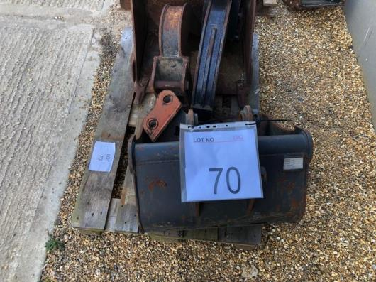 5 x Mini digger buckets as lotted