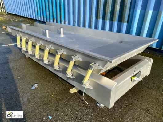 Blackrow stainless steel Vibratory Feed, with 1100mm x 2900mm length, max stroke 8mm, year 2011 (please note there is a …