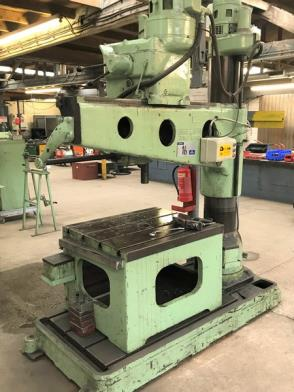 A Kitchen and Wade 48in Radial Arm Drill No.8967, 3 phase with Cast Iron Slotted Box Table, 36in w x 21in dp x 26in h.…