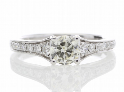 18ct White Gold Diamond Ring With Stone Set Shoulders 0.80 CaratsItem Specification..Carat:0.8.Colour:G - H. Clarity:SI…