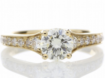 18ct Yellow Gold Diamond Ring With Stone Set Shoulders 1.06 CaratsItem Specification..Carat:1.06.Colour:I. Clarity:VVS.…